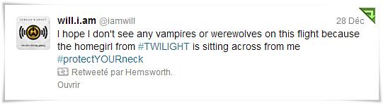 « J'espère que je ne vais pas voir de vampires ou de loups-garou,parce qu'il y a la fille de #Twilight (Kristen Stewart) assise juste en face de moi #Protégezvotrecou »