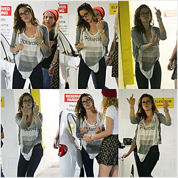 Candid|KS et ses majeurs prenaient des poses dans les sous-sols d'un garage à L.A  22'05'2013