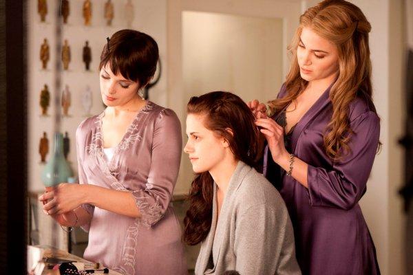 Infos Breaking Dawn → Interview de Kristen Stewart, Robert Pattinson et Bill Condon + Nouvelles Photos Officielles