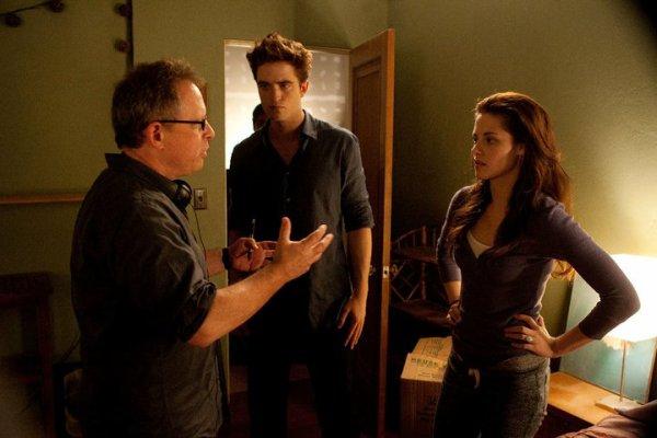 Infos Breaking Dawn → Disponibilité & info sur la BO + Nouvelles Photos des coulisses du tournage + Interview de Kristen Stewart