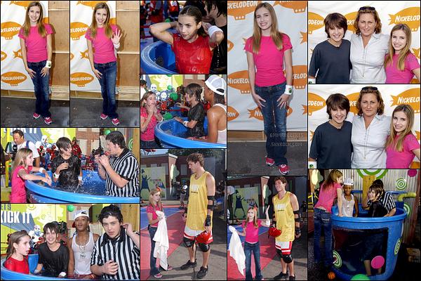02/10/2004 : Em s'est rendue à une fête organisée par la chaîne Nickelodeon où elle a retrouvé d'autres stars.