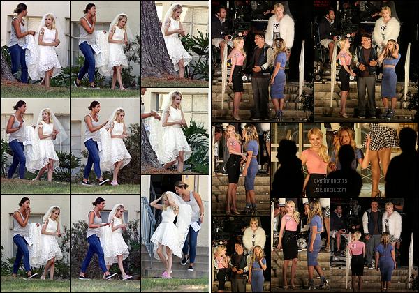 18/08/16 : Em et ses co-stars de Scream Queens ont été photographiées sur le set de leur série, à Pasadena. Em' retourne au travail et c'est en jolie robe de mariée que nous la retrouvons, sur le tournage de la saison 2 de Scream Queens. Top![/font=Arial]
