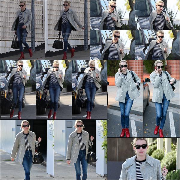 19/01/17 : Notre ravissante petite Emma Roberts a été aperçue alors qu'elle se promenait dans Beverly Hills. J'aime beaucoup sa tenue, qui est simple mais efficace. Petit plus pour ses bottines rouges. Top pour moi. Et vous, vous en pensez quoi ?[/font=Arial]