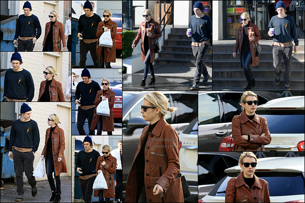 24/01/17 : Miss Roberts et Evan Peters ont été aperçus quittant le Coffee Bean & Tea Leaf, dans Beverly Hills. Côté tenue, je suis totalement fan de ce look, et surtout de sa veste en cuire marron. Top pour ma part. Et vous, vous en pensez quoi ?[/font=Arial]
