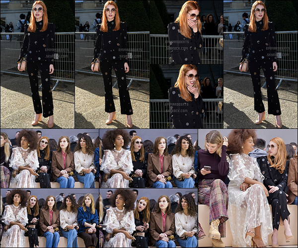 02/03/17 : Notre jolie petite Emma s'est rendue à un défilé organisé au cours de la Fashion Week, dans Paris. Côté tenue, j'aime bien, même si ça ne fait pas trop tenue civile. Point positif, Emma la porte extrêmement bien. Pour vous, top/flop ?[/font=Arial]