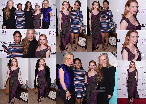 23/02/17 : Notre Emma s'est rendue à une soirée organisée quelques jours avant les Oscars, dans Los Angeles. Côté tenue, je ne suis pas très fan de sa robe. La couleur et les détails ne sont pas au goût du jour. Petit fashion faux-pas pour l'actrice...[/font=Arial]