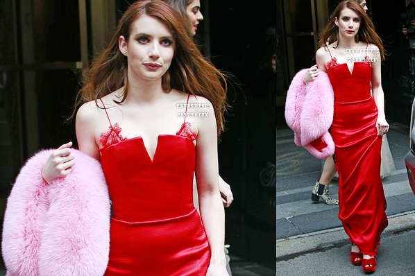 01/05/17 : Emma été aperçue quittant le Carlyle Hotel afin de se rendre au Met Gala, qui s'est tenu à New York. L'actrice portait une robe signée Diane von Furstenberg. Je ne sais pas vous, mais moi je la trouve resplendissante. Un énorme top ![/font=Arial]
