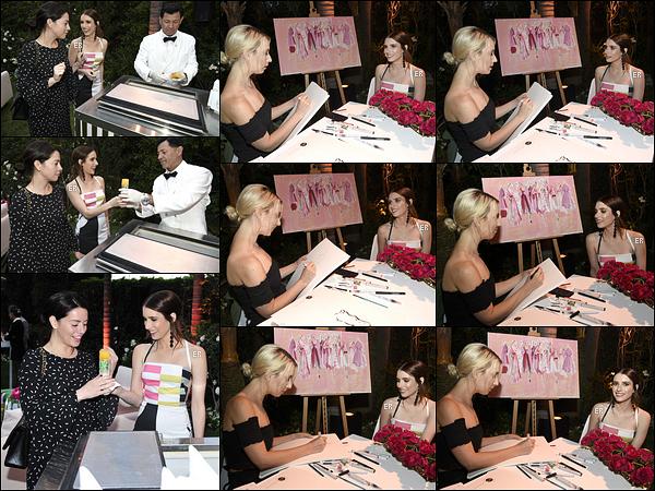 09/05/17 : Emma s'est rendue à une soirée organisée par Kim Crawford, une productrice de vin, à Beverly Hills. Vous pouvez découvrir quelques photos de la soirée juste en dessous. Concernant la tenue d'Emma, elle est très sympathique. Un top ![/font=Arial]