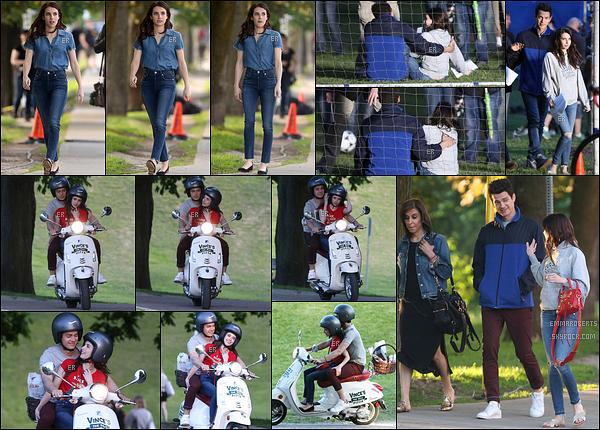 03/06/17 : Emma a encore été vue sur le tournage de son prochain film, Little Italy, qui se déroule à Toronto. Et on peut dire qu'ils ne chôment pas. En effet, ils on tourné au moins trois scènes comme vous pouvez le voir sur les photos. Avis ?[/font=Arial]