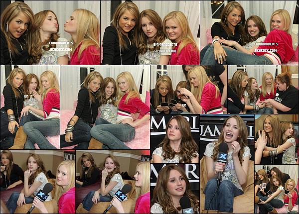 23/02/2006 : Emma, JoJo et Sara Paxton se sont rendues à une soirée pour promouvoir leur film, Aquamarine.