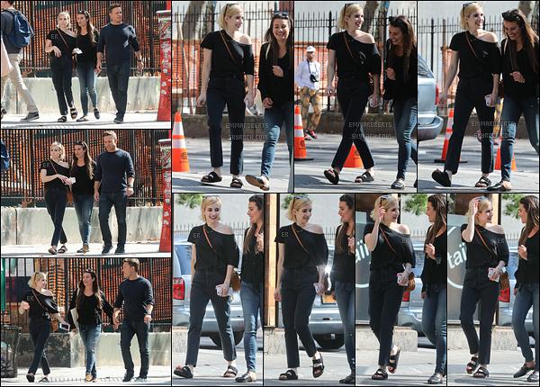 07/09/17 : Emm, Lea Michele et le nouveau copain de cette dernière ont été vus se baladant dans Soho. (NY) Ca fait plaisir de revoir les deux amies réunies le temps d'un après-midi.. Elles sont vraiment trop mignonnes, j'adore leur amitié ![/font=Arial]