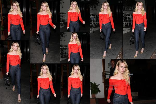 06/11/17 : Miss Emma a été vue quittant le restaurant italien Madeo après y avoir dîné, dans West Hollywood. Elle est de retour à Los Angeles, pour notre plus grand plaisir. Plus, j'adore la tenue qu'elle porte et plus particulièrement son haut.[/font=Arial]