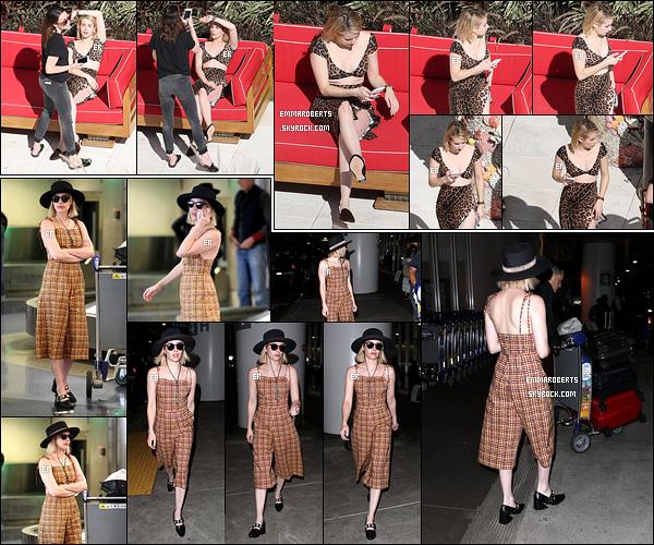 14/12/17 : Notre chère miss Roberts a une nouvelle fois été aperçue en compagnie de ses amies dans Miami. Plus tard dans la journée, elle a été aperçue à l'aéroport LAX avant de repartir à NY où elle a retrouvé Lea Michele. Bof les tenues ![/font=Arial]