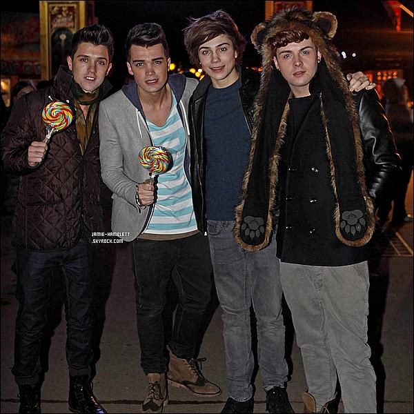 . 20/11/12 : Les garçons ont été aperçut arrivant dans un studio à Battersea, Londres.Comment trouvez-vous les garçons ? J'adore leurs tenues, ils sont tous les quatre magnifiques, c'est un gros top pour eux!