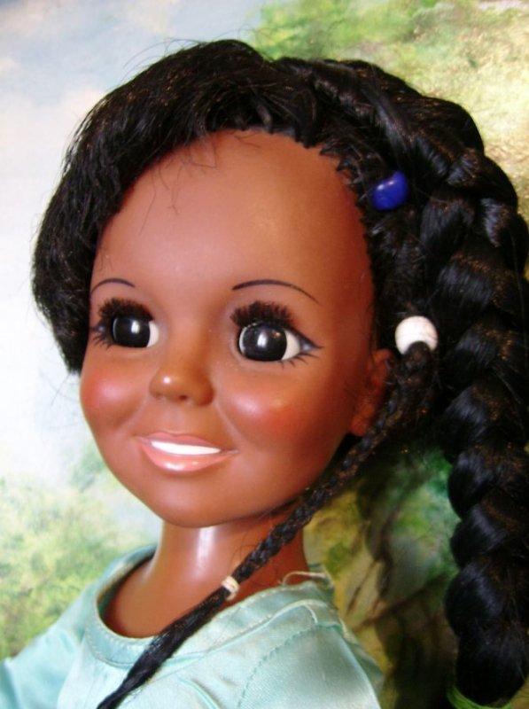 La Saga continue avec une poupée CRISSY noire 1972  IDEAL TOY CORP :D