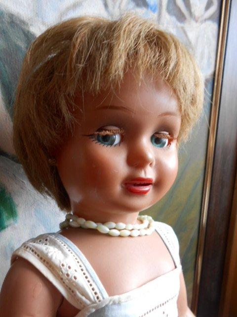 Ancienne poupée espagnole en celluloid de marque DIANA 46 CM