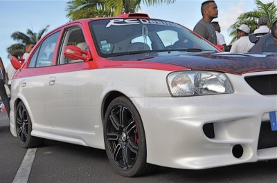 MEETING DE TUNING O CAMBUSTON EK LA TEAM PERFORMANCE EVOLUTION974