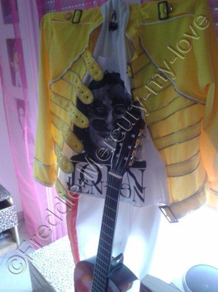 Ma tenue de Freddie Mercury *___*