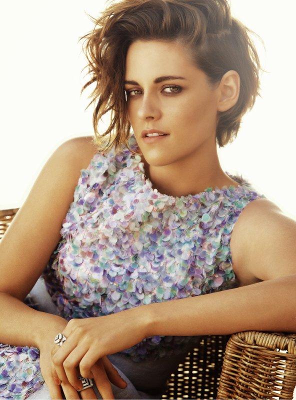 → Kristen en couverture du magazine Harper's Bazaar  Interview| Posté le 2 Mai 2015