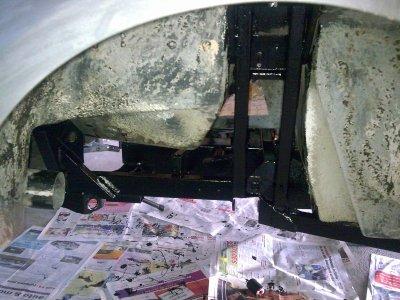 Le chassis a été traité à l'antirouille puis repeint