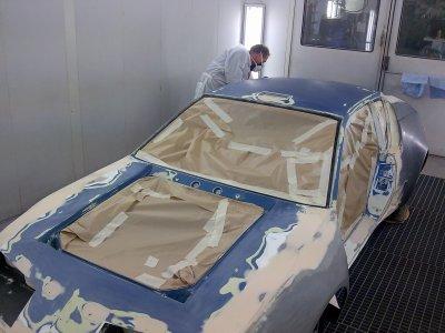 Passage en cabine pour l'apprêt  polyester