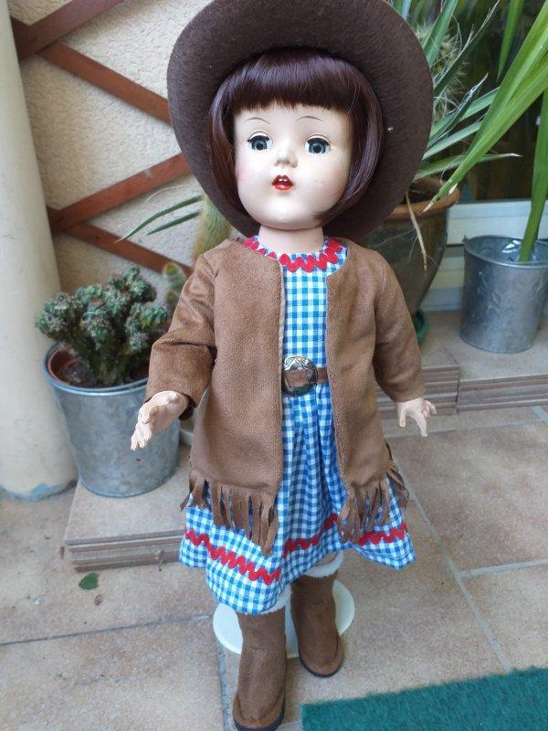 Raving beauty walking doll