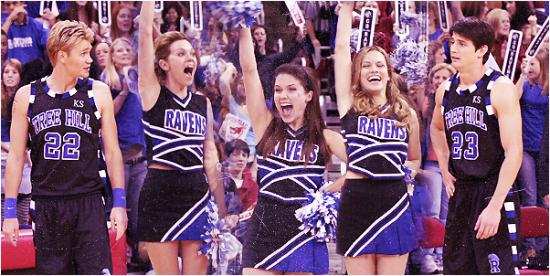 """"""" Avoir la gentillesse de Haley James Scott, aimer Nathan ou Lucas Scott, être belle comme Peyton Sawyer et être populaire comme Brooke Davis.. """""""