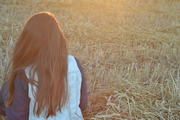 """""""J'attends que le temps passe, pour pouvoir un jour sourire."""