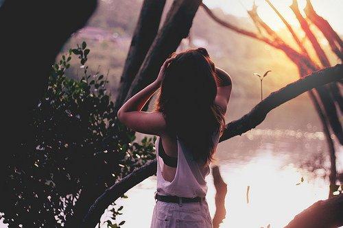 Je ne pensais pas tomber amoureuse de toi. Je ne pensais pas t'aimer aussi fort, aussi longtemps. Je ne pensais pas que mon amour pour toi me briserait autant.   Ee-ternellement