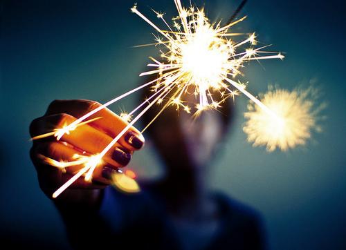 Une très bonne année 2012 à vous tous, je souhaite de tout mon coeur qu'elle soit meilleure que 2011.