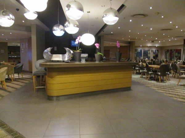 Jour 2 : 12 nov 2016 - Premier Hôtel Holiday Inn