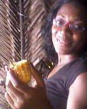 QUOI!! Loulou mange maïs braisé qui aurai cru
