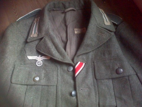 Uniforme allemand de la Wehrmacht. Reproduction.