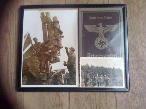 Cadre Photo soldats Allemands et livret Arbeitsbuch