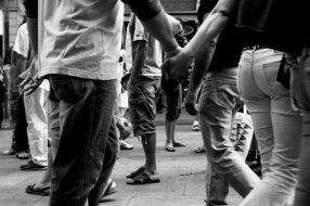 Dans un couple, peut-être  que l'important n'est pas de vouloir rendre l'autre heureux, c'est de se rendre heureux et d'offrir ce bonheur à l'autre.