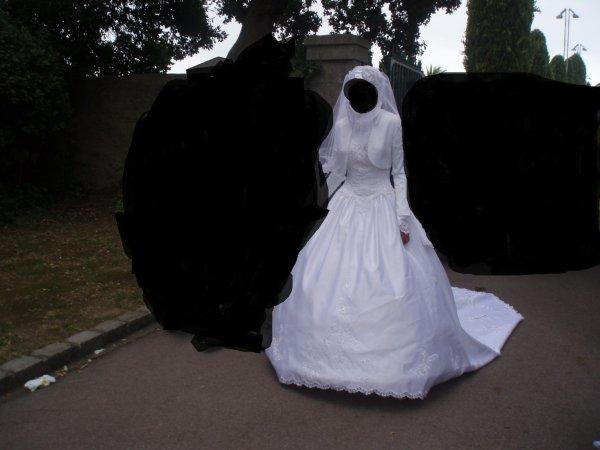 Location robe de mariée tout compris 80€