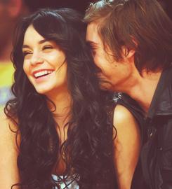 «Et quand on beaucoup de chance, il se produit quelque chose qui n'arrive qu'une seule fois sur des millions ; la personne qu'on aime nous aime aussi..»