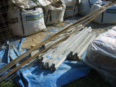 Livraison poutrelles et hourdis pour plancher local for Local technique piscine surface de plancher
