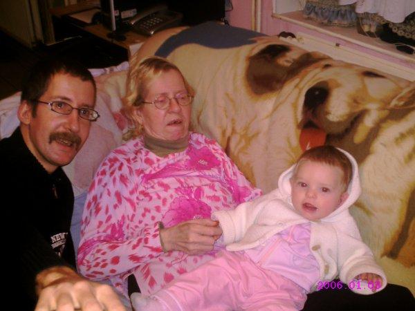 moi ma mère et ma petite niece
