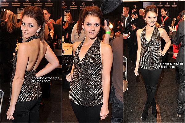. 14/02/2012 Alexandra Chando c'est rendu à l'évenement « Badgley Mischka Fall 2012 »,   Vêtu d'une simple robe blanche, notre belle Alex garde sa simplicité ce qui me permet de lui mettre un TOP .