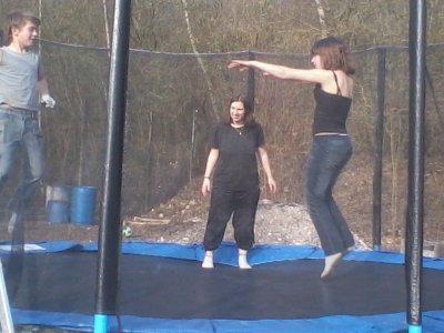 delires dans le trampoline