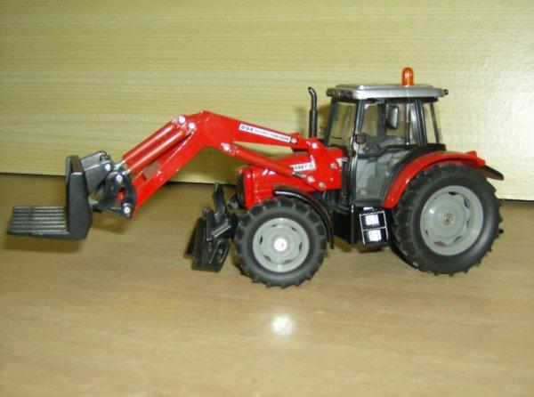 tracteur massey avec fouche