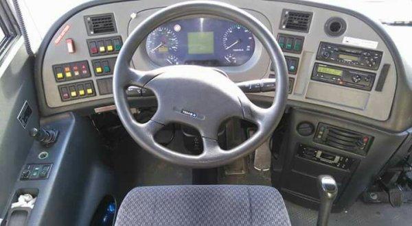 - Qui veut essayer de conduire?? -