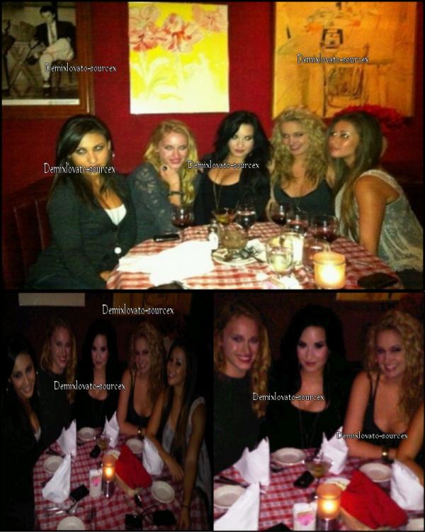 """04/03/2011 : Demi est enfin sortie de chez elle & a déjeuner avec Tiffany Thorton & d'autre copines au restaurant """"Dan Tana's"""" a Los Angeles."""