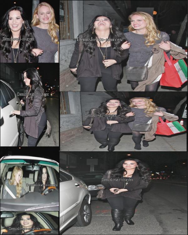 "04/03/2011 : Demi sortant du restaurant ""Dan Tana's"" en compagnie de Leven Rembin."