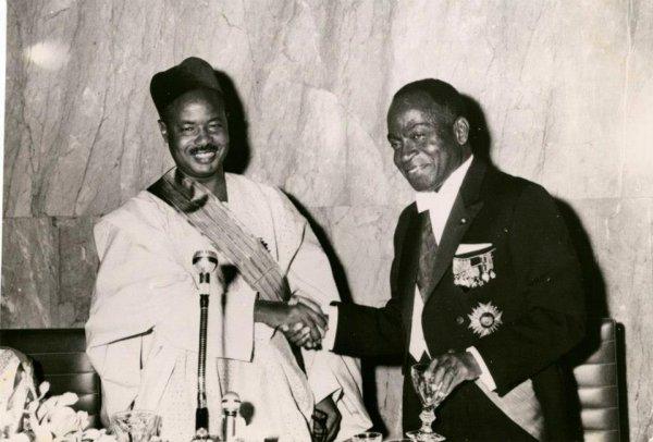 houphouet boigny  et le president  ahidjo  du  cameroun et  paul  biya