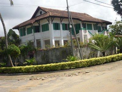 2013..at.les  plus  belles  maisons  coloniales en  bon  etat