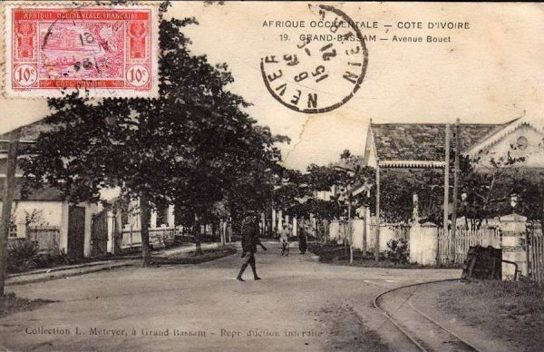grand bassam  epoque coloniale...rues  et  bld...13.09.2013.....