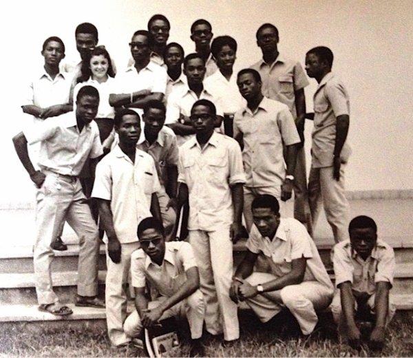 TERMINALE PHILO  LYCEE CLASSIQUE  1968   AVEC  N.F.T....ur cette photo, en particulier : Daouda TRAORE, Georges HARDING, Kouamé DJAHA, Emmanuel HANDO, Mouroufu KOFFI, Raoul ZABAVI, Lasm MEL