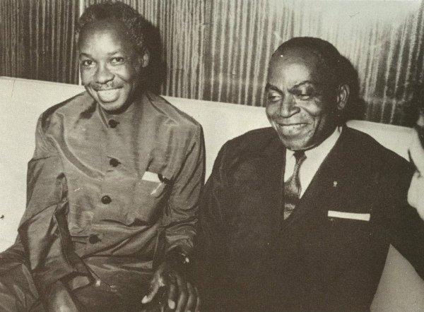 le  vieux  avec  julius nierere  president  du  kenya...